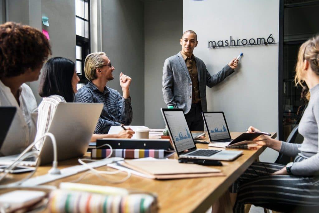 faire un business plan image réunion d'équipe